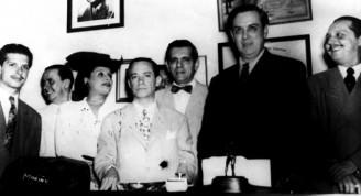 Lecuona en los días  que preside la FNAC. Entre otros, Rita Montaaner, Rodrigo Prats y Amado Trinidad2