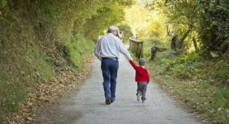la-importancia-de-los-abuelos-para-tus-hijos-2