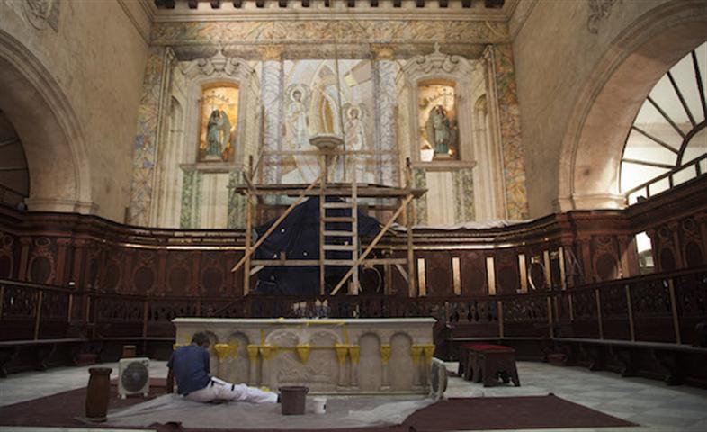 El presbiterio de la Catedral en restauración