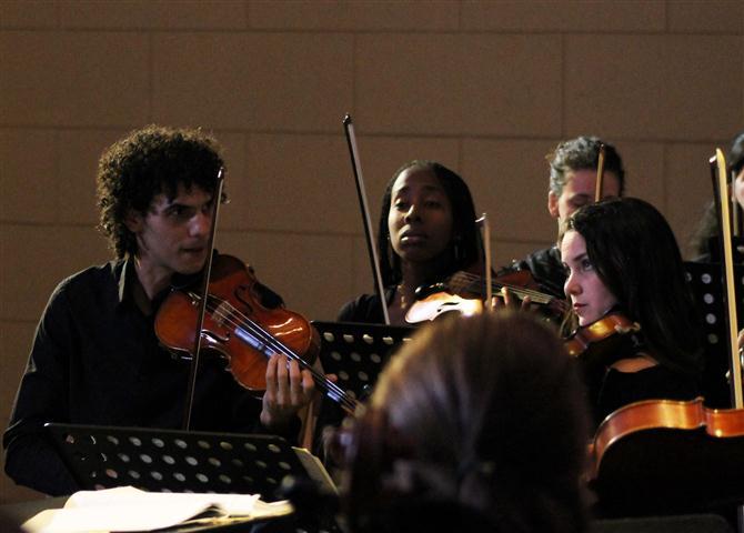 El joven violinista cubano Braulio Labañino