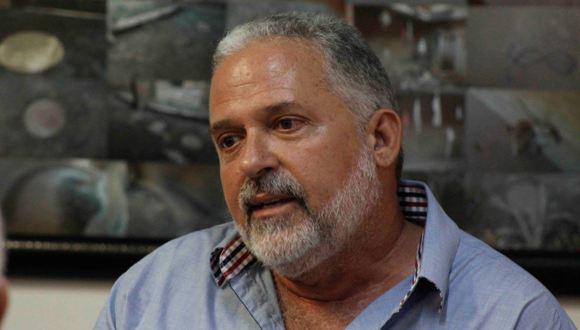 José-Manuel-Noceda-curador-de-la-exposición