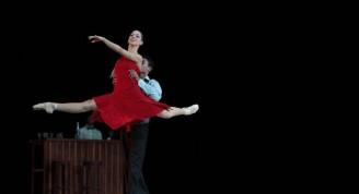 Momento de A la luz de tus canciones, obra de Alicia Alonso dedicada a Esther Borja