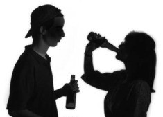 alcohol-mujer-encuestas