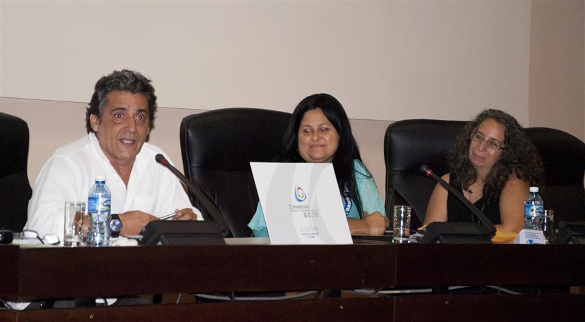 """Momentos del panel de buenas prácticas en la comunicación por la no violencia de género, en la la Convención de Radio y Televisión """"Cuba 2015"""""""