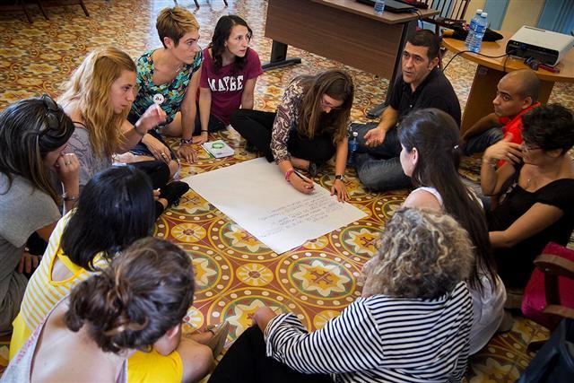 Taller de Buenas prácticas entre profesionales que trabajan con la adolescencia