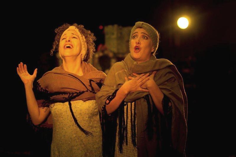 Rossana Iturralde y Nadyezhda Loza son las encargadas de dar vida a los personajes de La Edad de la Ciruela (Medium)