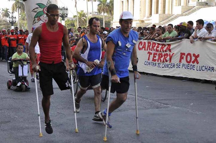 El maratón por la esperanza en homenaje a Terry Fox agrupa a miles de personas cada año en Cuba