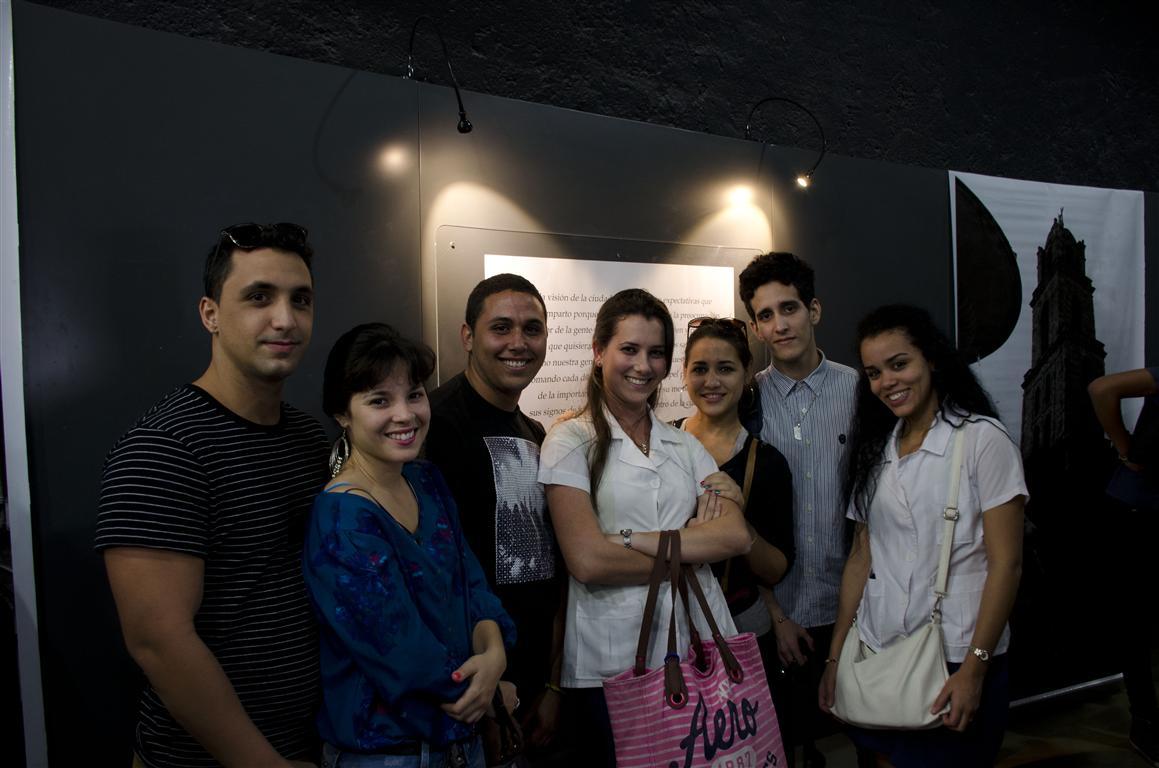Jóvenes fotógrafos y amantes de este arte fueron el principal público de la exposición