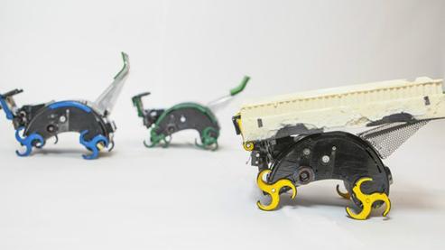 Tema 45. 2 robots trasladando bloques