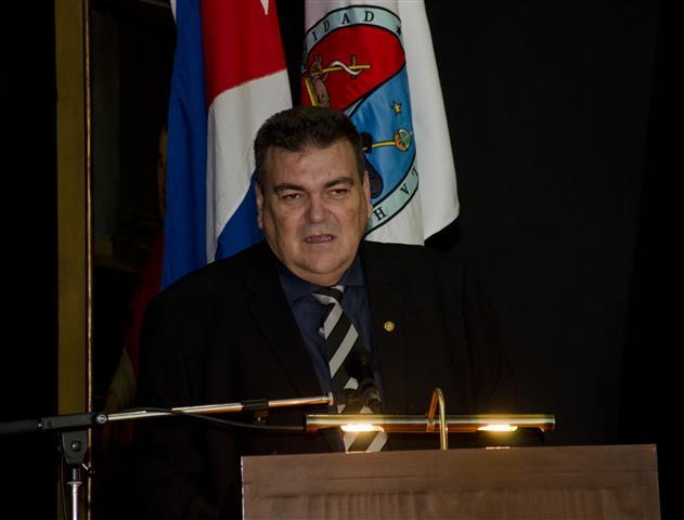 El Dr. Gustavo Cobreiro Suárez, Rector de la Universidad de La Habana, aprovechó el contexto para exhortar a continuar con los preparativos con vistas a la celebración de los tres siglos de la fundación