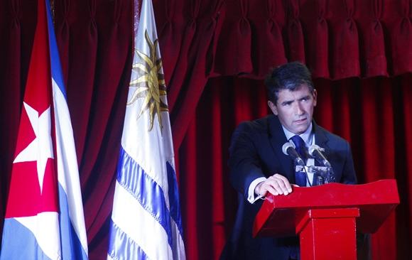 El Vicepresidente de Uruguay, Raúl Sendic, se refirió a las buenas relaciones históricas y actuales entre estas dos naciones. Foto: José Raúl Concepción/Cubadebate.