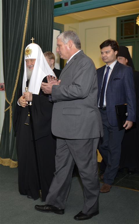 Su Santidad Kirill, Patriarca de Moscú y Toda Rusia, acompañado por el miembro del Buró Político y Primer Vicepresidente de los Consejos de Estado y de Ministros, Miguel Díaz-Canel Bermúdez
