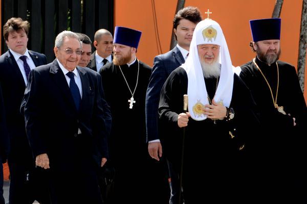 Despide Raúl Catro Ruz a Su Santidad Kirill. Foto: Marcelino Vázquez / ACN