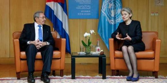 Con la directora general de la UNESCO, Irina Bokova (Foto: Cubadebate)
