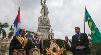 La asociación fraternal masónica rindió homenaje la víspera a José Martí. Foto: Juventud Rebelde