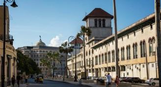 Avenida del puerto Aduana (Medium)