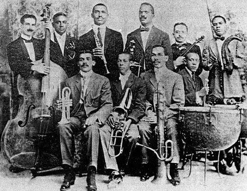Ay Cuba orquesta de PeñaOrquesta Enrique Peña. Barreto (violin) y Urfé (clarinete)