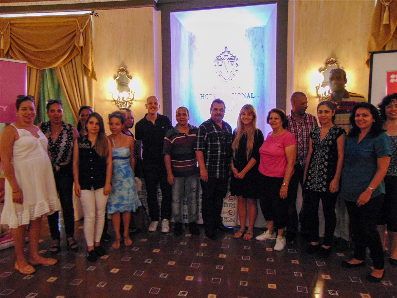 DJ Goldierocks y Otto Braña junto a los colectivos de Cuba Tonight y The Selector