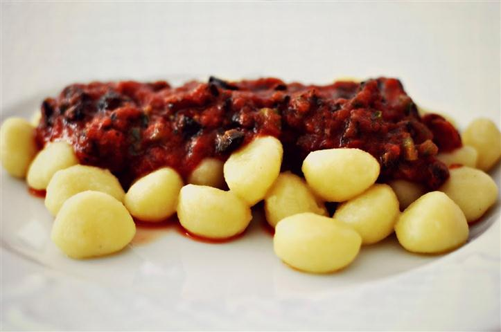 Gnocchi-alla-puttanesca-1600x1062_1 (Small)