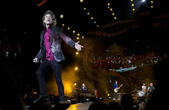 Los-Rolling-Stones-dieron-un-mítico-recital-en-Cuba-5.-Foto-AP-Enric-Marti-580x377