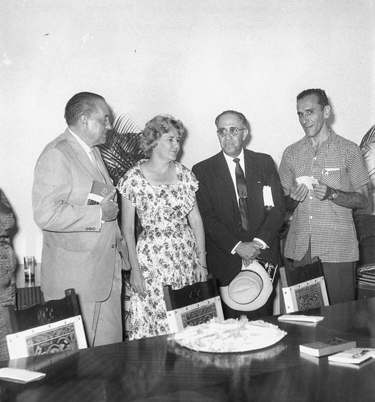 Premio Casa de las Américas, 1960. Alejo Carpentier, Haydee Santamaría, José Manuel Valdés Rodríguez y José Soler Puig.