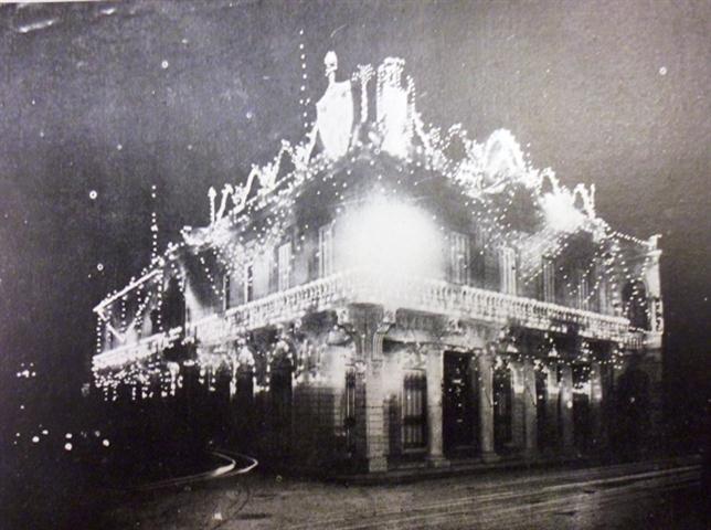 La casa durante el carnaval de 1915, propiedad de Steinhart