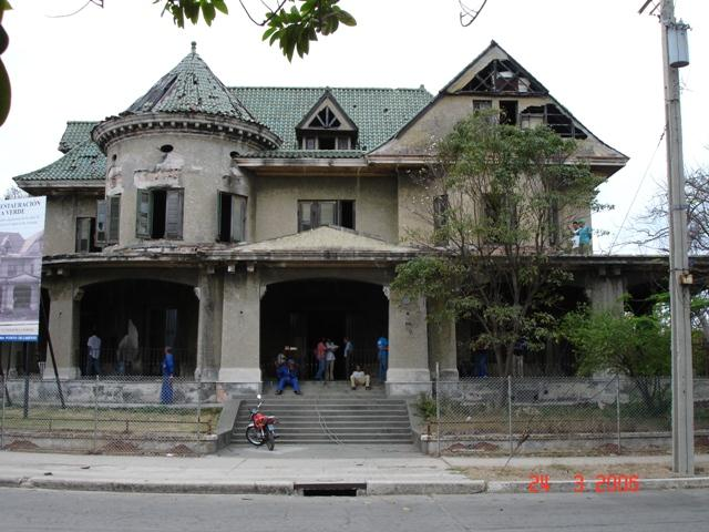 Casa de las Tejas Verdes, antes de la restauración, 2006
