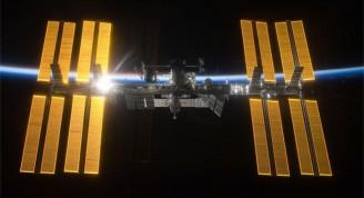 Los seres humanos deben tener una atmósfera respirable para salir al espacio exterior, vivir en las naves, las estaciones orbitales o en la superficie de asteroides y planetas