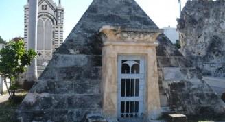 Capilla del arquitecto José F. Mata-Cementerio de Colón