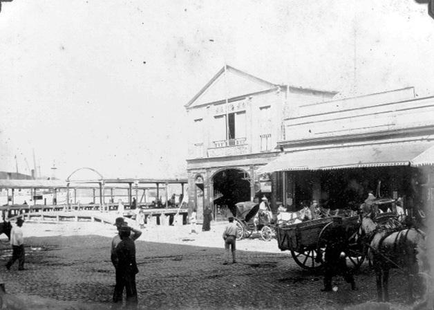 Antiguo edificio del Emboque de Luz