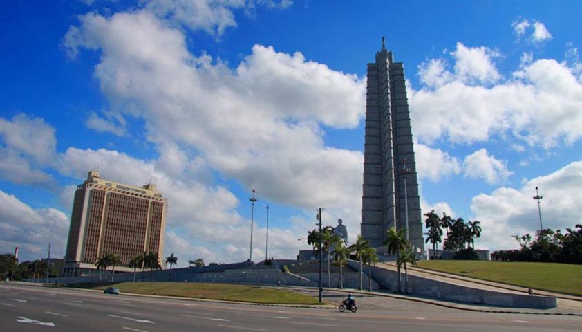 Plaza-de-la-Revolucion (Small)