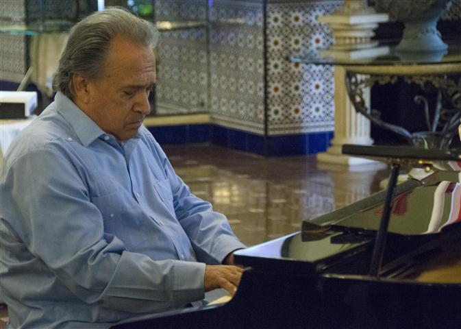 El pianista Frank Fernández dio inicio a la velada en el Hotel Nacional (Foto: Joel Guerra)