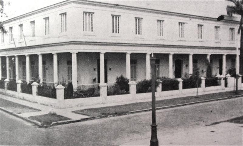 El colegio de niñas, 1925 (Small)