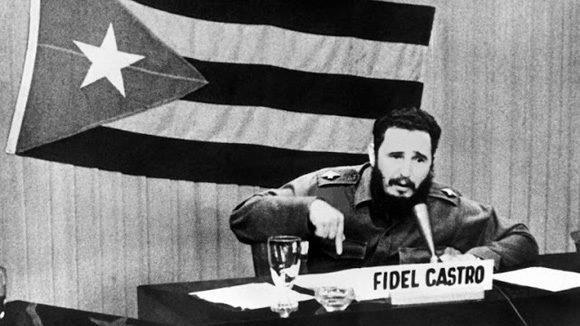 Fidel-Castro-palabras-a-los-intelectuales-580x326