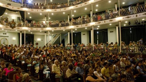 público teatro martí (Medium)