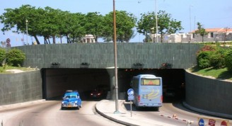 Túnel de la bahía