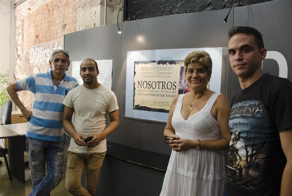 EXPO TALLER 25 AÑOS SALA DIVERSIDAD colectivo TALLER (Medium) (2)