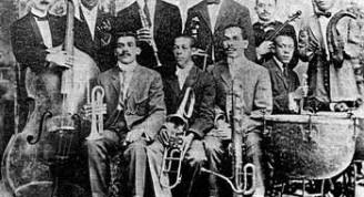 Orquesta de Enrique Peña. Julián Barreto (violin) y José Urfé (clarinete).