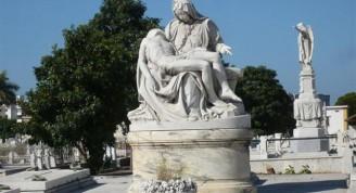 3-La Piedad en el Cementerio de Colón (Small)