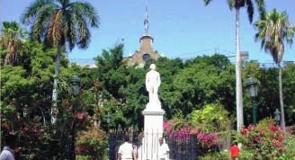 4-La estatua de Céspedes en la Plaza de Armas