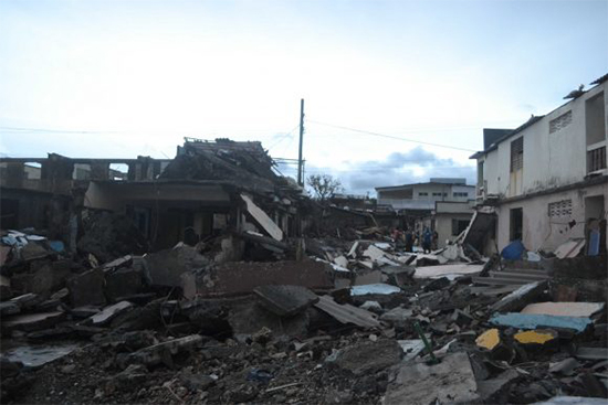 Las carreteras de la región están obstruidas debido a deslizamientos de tierra, ramas y árboles caídos.Autor: Cubadebate