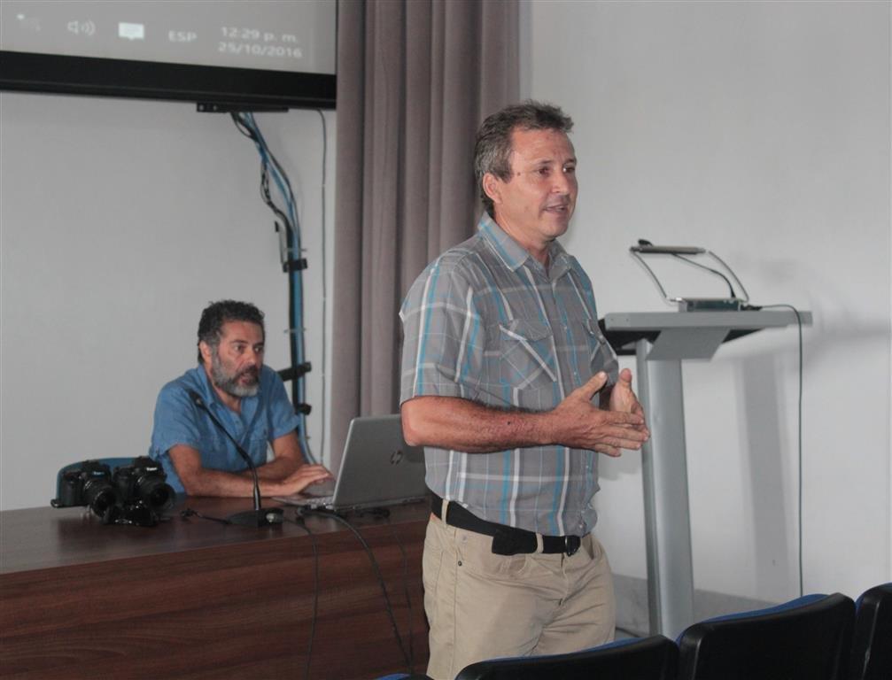 Antonio Danieli y Esteban Grau durante la presentación el Palacio del Segundo Cabo