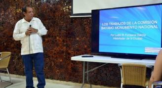El MSc. Ludín Fonseca García, historiador de la ciudad de Bayamo, interviene en el panel Aniversario 80 de Bayamo Monumento Nacional, en el XXIV Evento Teórico Crisol de la Nacionalidad Cubana, realizado en el marco de la XXII Fiesta de la Cubanía, en la ciudad de Bayamo, provincia de Granma, Cuba, el 17 de octubre de 2016.          ACN  FOTO/ Armando Ernesto CONTRERAS TAMAYO/ rrcc