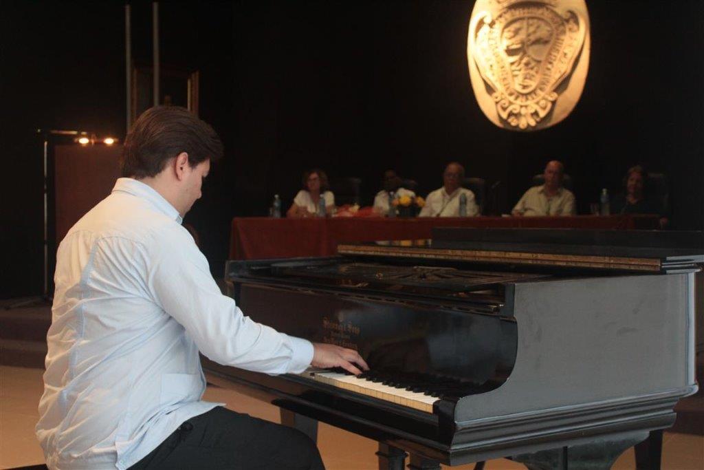 Pianista Franco Rivero