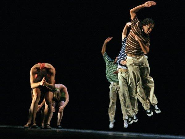 """Danza Contemporánea de Cuba con el aclamado """"Mambo 3XXI"""""""