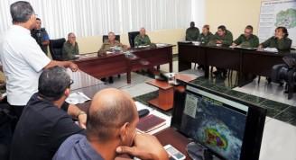 El General de Ejército participó en la reunión del Consejo de Defensa Provincial de Guantánamo. Foto: Estudios Revolución
