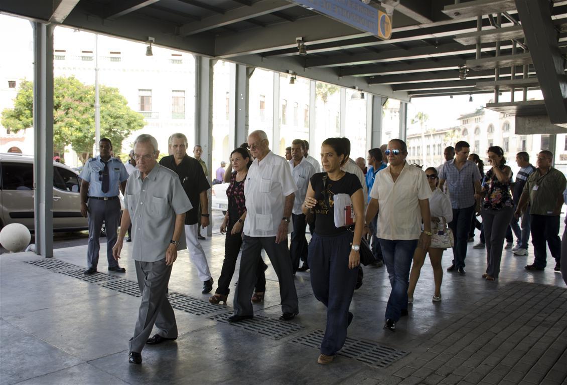 El Doctor Eusebio Leal Spengler, Historiador de la Ciudad, recorre en la mañana de este 8 de octubre el Emboque de Luz junto a otras personalidades del Gobierno, el Partido y trabajadores de la Oficina del Historiador