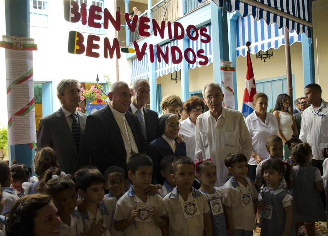 visita a guardería de niños (Medium)