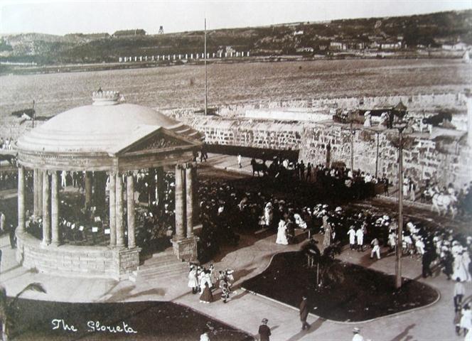 02 La Glorieta en Malecón y Prado, 1913 (Small)
