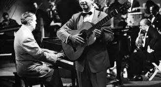 1956. Manolo Lamas en uno de los programas televisivos del maestro Lecuona (Small)